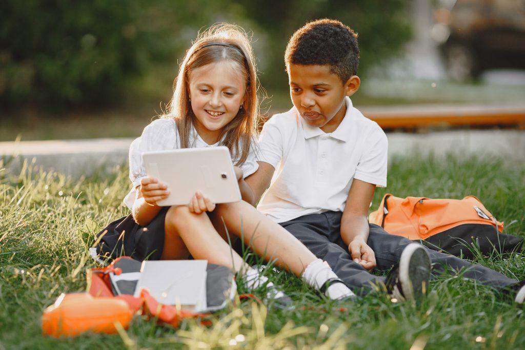 mejorar la atención niños juegos online